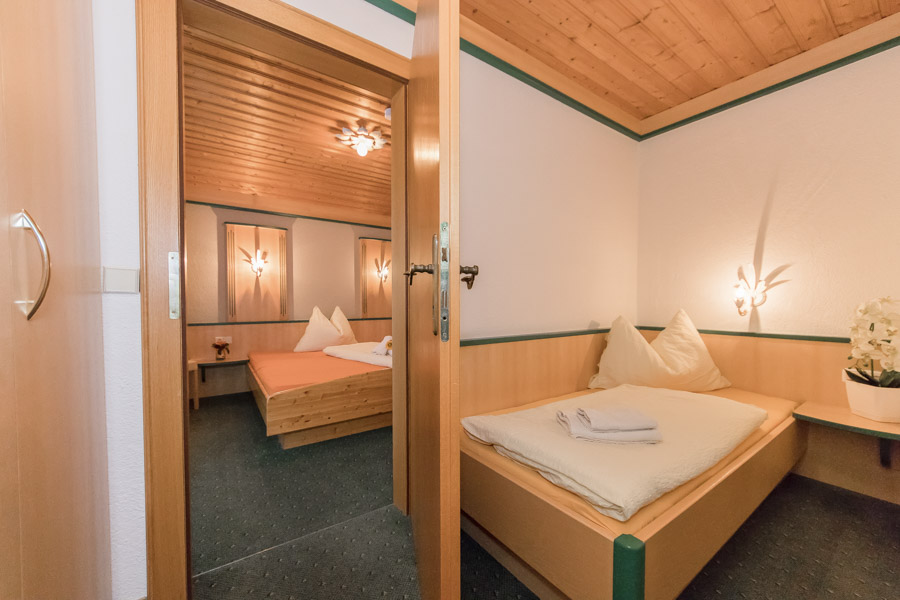 Pension Saalbach SuiteA2 6730